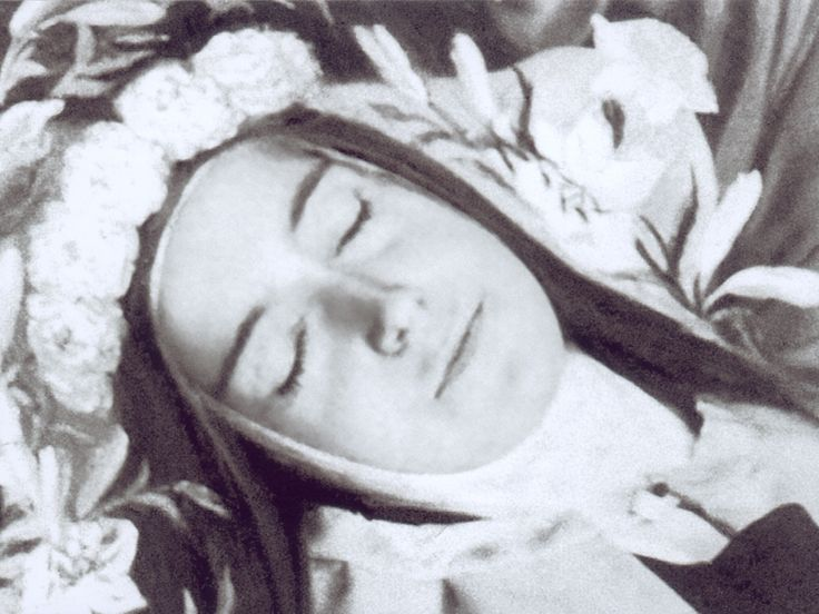 -st-therese-of-lisieux-incorruptible-saints